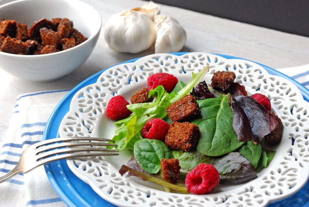 Copycat Ruby Tuesday Croutons