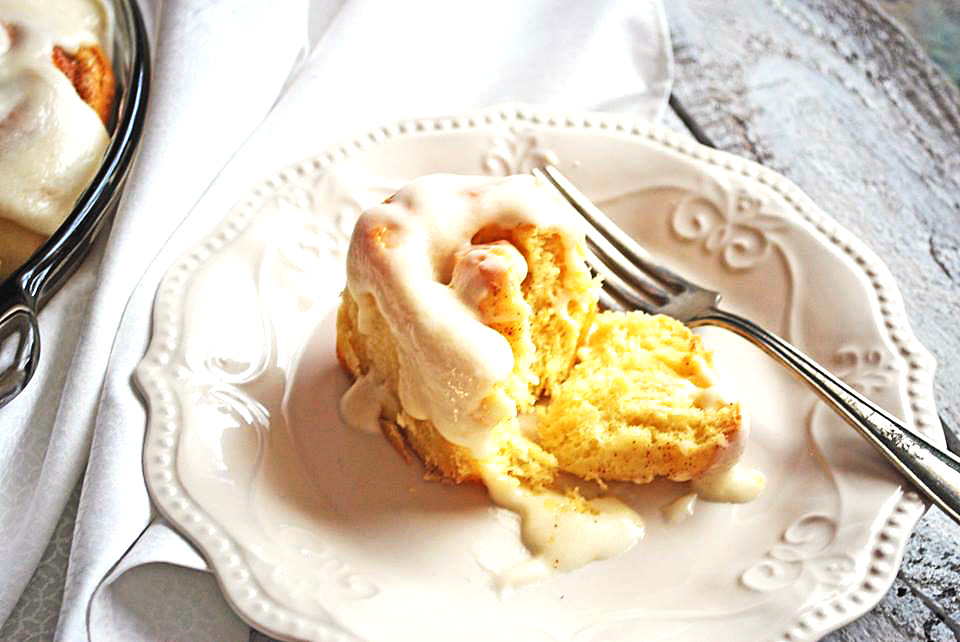 Ooey, Gooey Cinnamon Rolls – Cookies for England